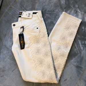 ✨NWT✨ Lucky Brand Embellished Skinny Jeans